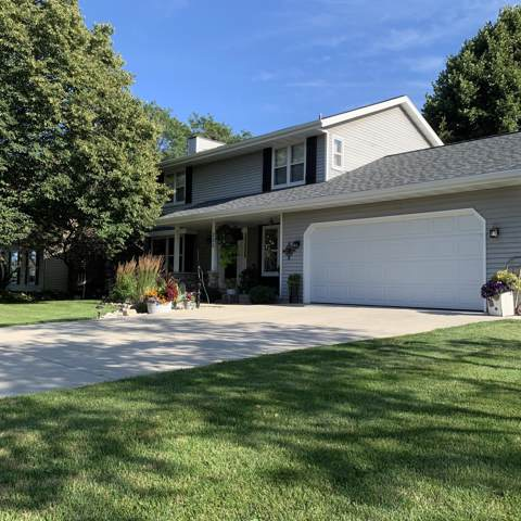 205 11th Ave, Union Grove, WI 53182 (#1660386) :: Keller Williams