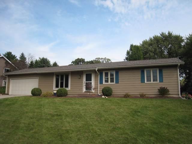 625 Estate Ct, Elkhorn, WI 53121 (#1660393) :: Keller Williams Momentum