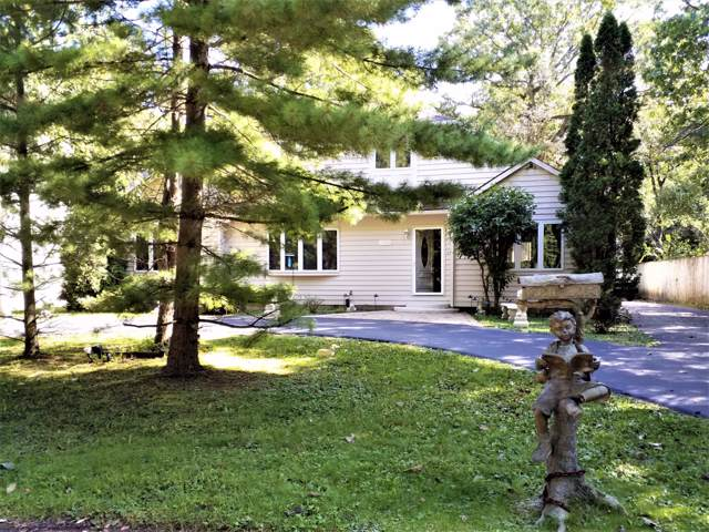 8743 3rd Ave, Pleasant Prairie, WI 53158 (#1660567) :: Tom Didier Real Estate Team