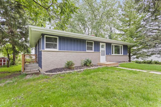 621 W 2nd St, Waldo, WI 53093 (#1660799) :: RE/MAX Service First Service First Pros