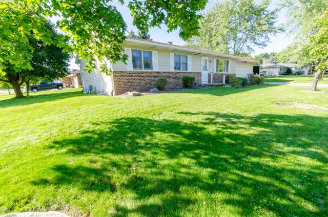 604 Maple Crest Ln, Watertown, WI 53094 (#1660942) :: eXp Realty LLC