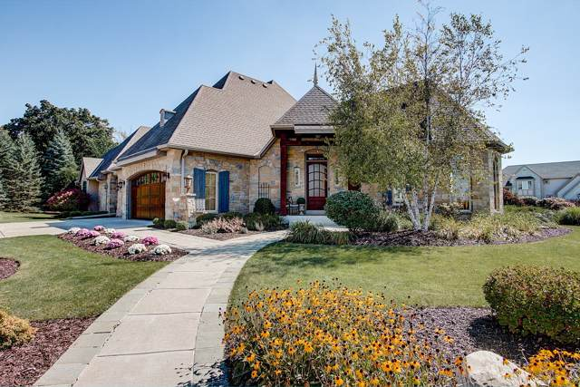 18855 Chapel Hill Dr, Brookfield, WI 53045 (#1660949) :: RE/MAX Service First Service First Pros