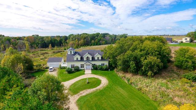 183 Twin Valley Trl, Belgium, WI 53013 (#1660950) :: Tom Didier Real Estate Team