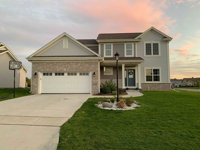 899 Willow Bend Dr, Waterford, WI 53185 (#1661865) :: Tom Didier Real Estate Team
