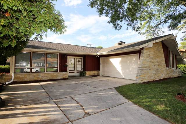 7320 W Duluth Ave, Milwaukee, WI 53220 (#1662144) :: Tom Didier Real Estate Team
