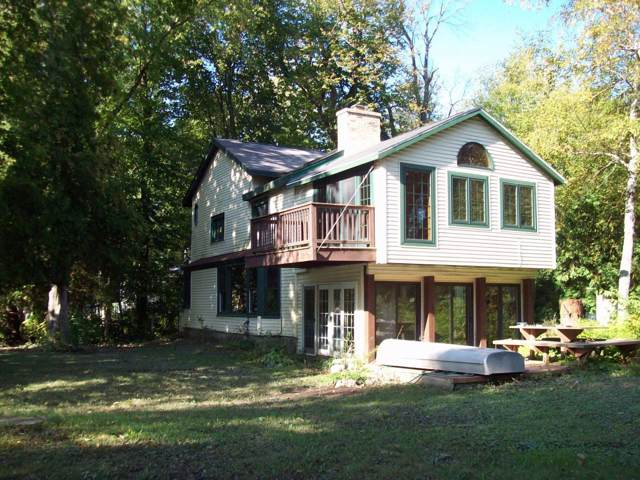12753 N East Shoreland Dr, Mequon, WI 53092 (#1662435) :: eXp Realty LLC
