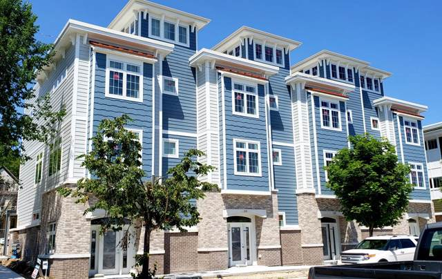 305 E Pier St, Port Washington, WI 53074 (#1662471) :: Tom Didier Real Estate Team