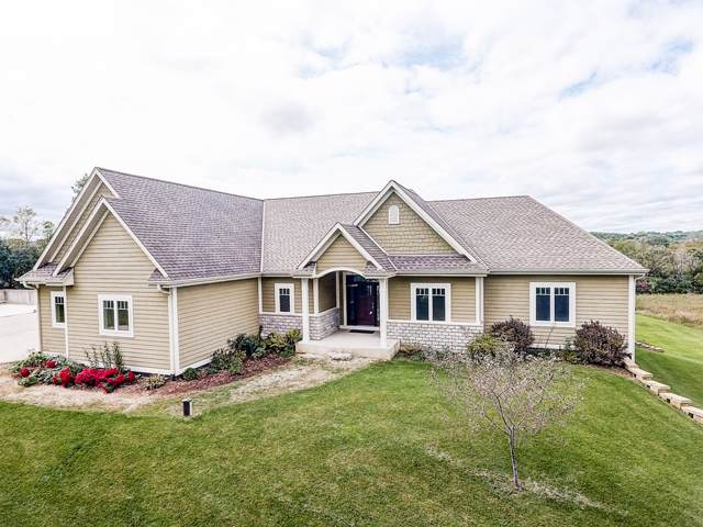 W303S6081 Bridle Ln, Genesee, WI 53149 (#1662741) :: RE/MAX Service First Service First Pros