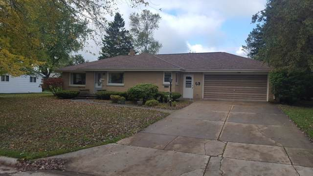 825 Sunset, Algoma, WI 54201 (#1662780) :: RE/MAX Service First Service First Pros