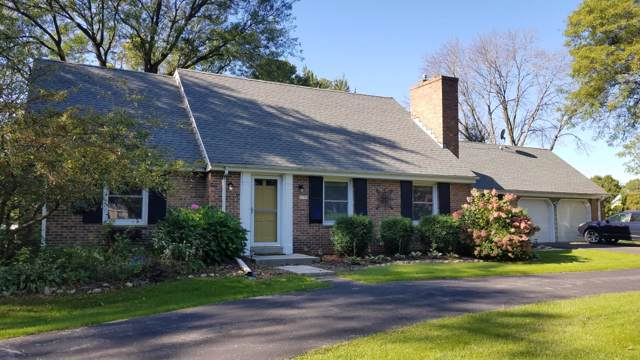 11769 N Silver Ave, Mequon, WI 53097 (#1662946) :: Tom Didier Real Estate Team