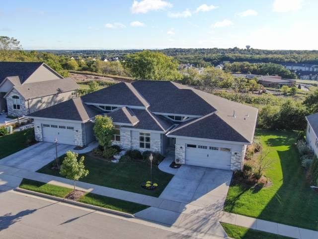 1205 Woodland Hills Dr, Waukesha, WI 53188 (#1663246) :: Tom Didier Real Estate Team