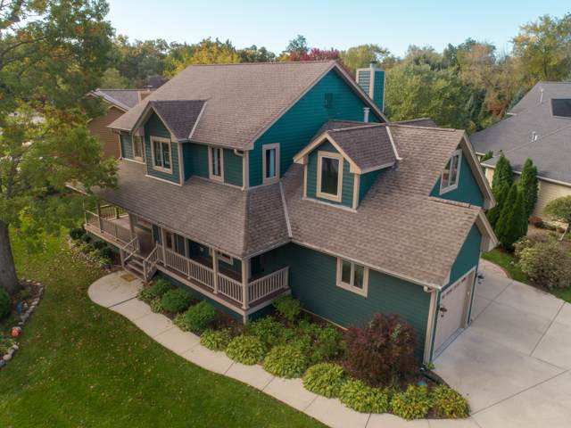 7637 S Mission Woods Ct, Franklin, WI 53132 (#1663290) :: eXp Realty LLC