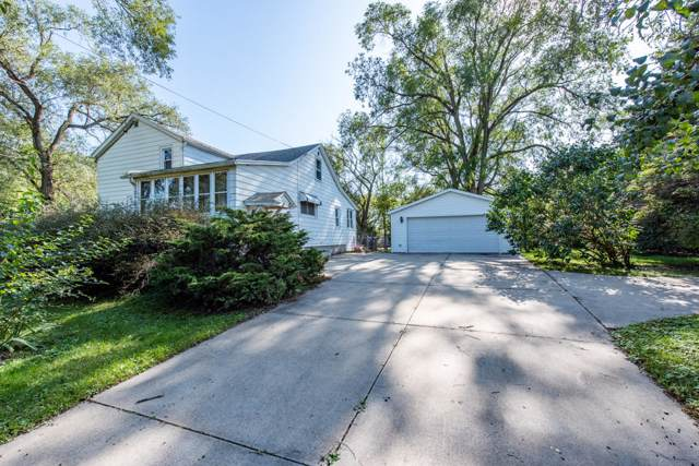 3315 27th St, Somers, WI 53144 (#1663313) :: Keller Williams Momentum