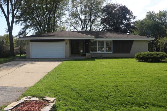 2405 W Woodward Dr, Oak Creek, WI 53154 (#1663707) :: eXp Realty LLC