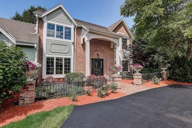 955 Auburn Dr, Brookfield, WI 53045 (#1663711) :: Tom Didier Real Estate Team