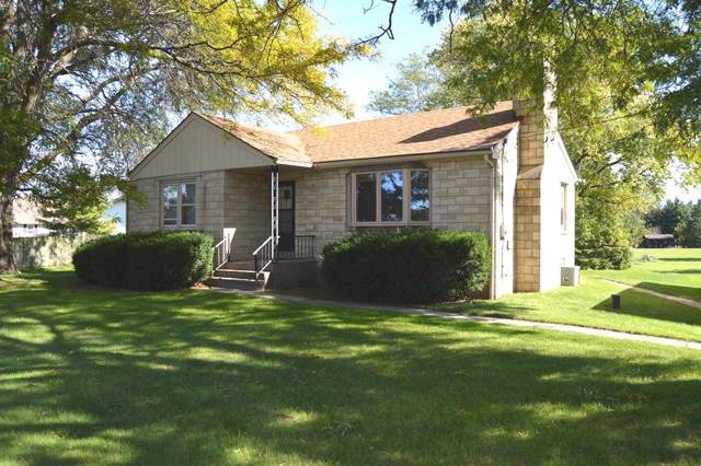 8248 S Howell Ave, Oak Creek, WI 53154 (#1663790) :: eXp Realty LLC