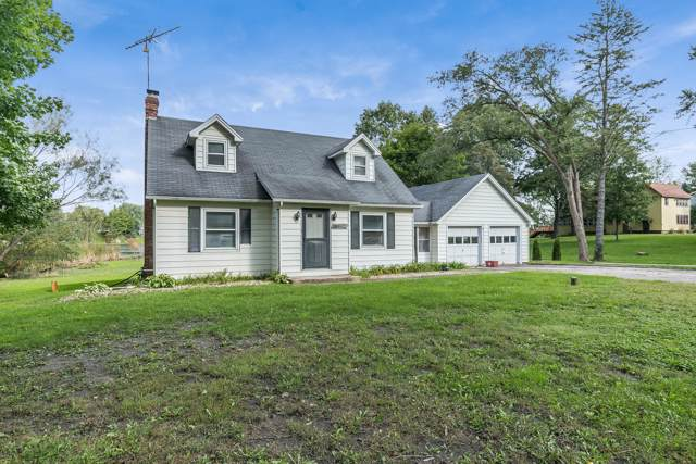 24520 84th St, Salem Lakes, WI 53168 (#1663799) :: Keller Williams Momentum