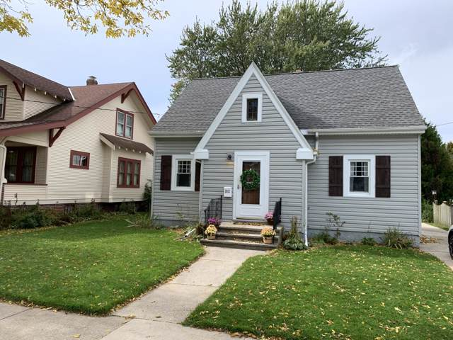2612 School St, Two Rivers, WI 54241 (#1663872) :: eXp Realty LLC