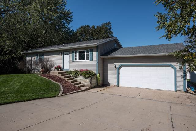 9926 270th Ave, Salem Lakes, WI 53179 (#1663946) :: RE/MAX Service First Service First Pros