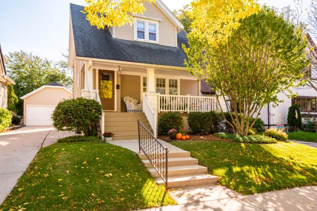 2023 E Beverly Rd, Shorewood, WI 53211 (#1663970) :: Tom Didier Real Estate Team