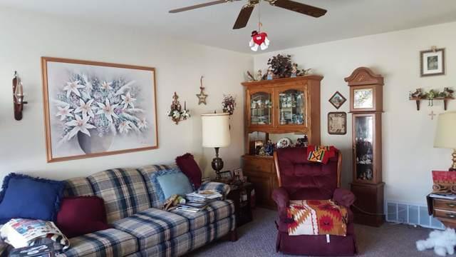 892 Lois Ct, Hartford, WI 53027 (#1664014) :: Keller Williams Momentum
