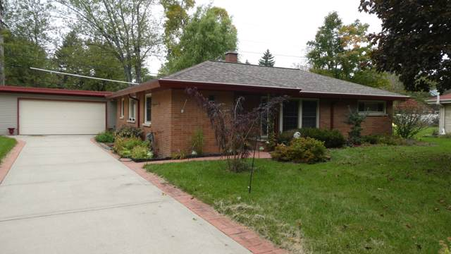 2115 Crestview Ct, Wauwatosa, WI 53226 (#1664161) :: eXp Realty LLC