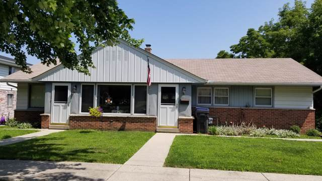 339 E Wisconsin Ave, Pewaukee, WI 53072 (#1664231) :: eXp Realty LLC