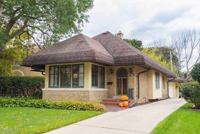 6327 Upper Parkway N, Wauwatosa, WI 53213 (#1664245) :: eXp Realty LLC