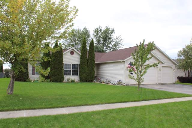 545 Tomahawk Dr, Twin Lakes, WI 53181 (#1664252) :: RE/MAX Service First Service First Pros