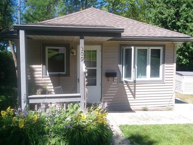 309 Evergreen Dr, Mayville, WI 53050 (#1664308) :: RE/MAX Service First Service First Pros
