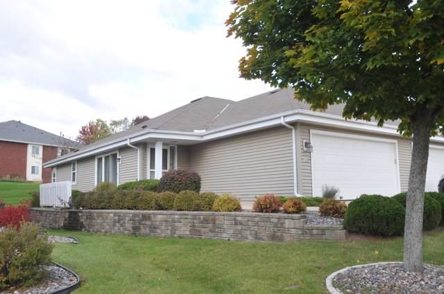 1833 Woodview Cir, Port Washington, WI 53074 (#1664424) :: Tom Didier Real Estate Team
