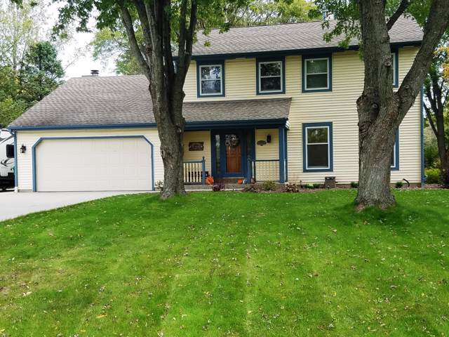 12728 N Forest Ct, Mequon, WI 53092 (#1664462) :: eXp Realty LLC