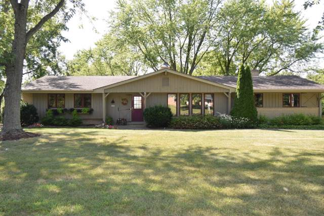 6228 Town Line Rd, Waterford, WI 53185 (#1664598) :: Keller Williams Momentum