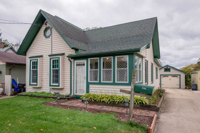 156 Tenny Ave, Waukesha, WI 53186 (#1664628) :: RE/MAX Service First