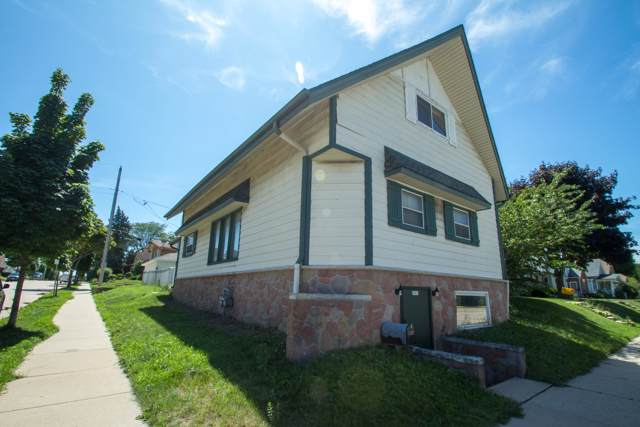 8501 W Becher St, West Allis, WI 53227 (#1664657) :: eXp Realty LLC
