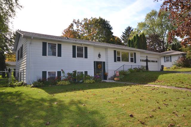 302 Rosemary Ct, Jefferson, WI 53549 (#1664693) :: RE/MAX Service First
