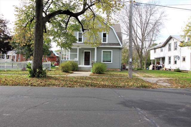 400 Dewey Ave, Watertown, WI 53094 (#1664696) :: RE/MAX Service First