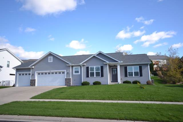 205 W Haven Dr, Watertown, WI 53094 (#1664704) :: RE/MAX Service First