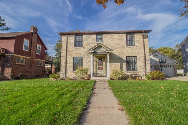 3002 Graydon Ave, East Troy, WI 53120 (#1664728) :: RE/MAX Service First