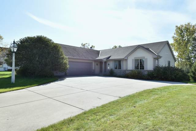 551 W Red Pine Ct., Dousman, WI 53188 (#1664891) :: RE/MAX Service First