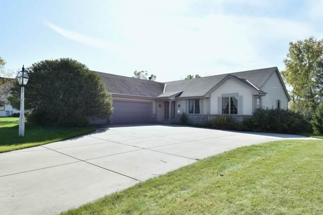 551 W Red Pine Cir, Dousman, WI 53118 (#1664891) :: Keller Williams Realty - Milwaukee Southwest