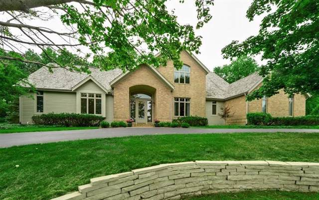 N17W30595 Woodland Hill Dr, Delafield, WI 53018 (#1664916) :: RE/MAX Service First Service First Pros