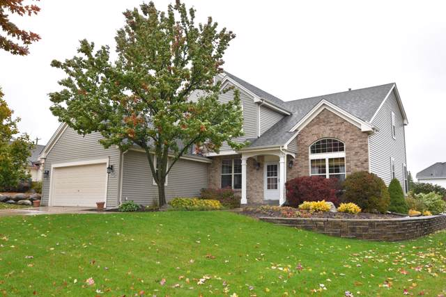 N173W20330 Crestview Dr, Jackson, WI 53037 (#1665009) :: RE/MAX Service First Service First Pros