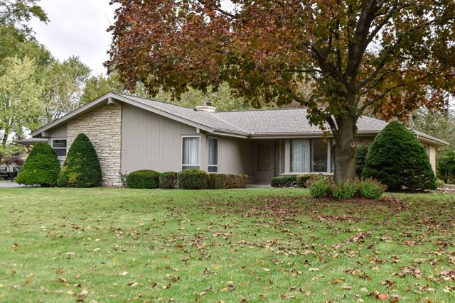 3635 Chapel Rd, Brookfield, WI 53045 (#1665018) :: RE/MAX Service First Service First Pros