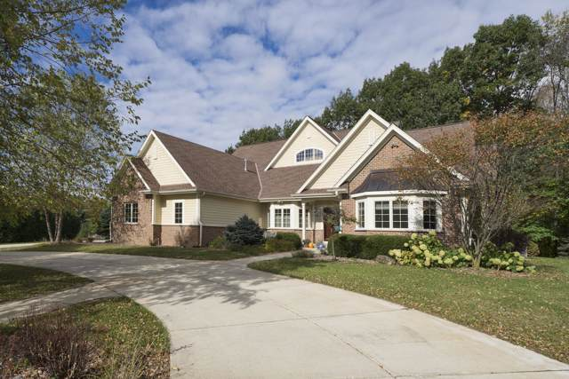 W323N9083 Shadow Ct, Merton, WI 53029 (#1665046) :: RE/MAX Service First Service First Pros
