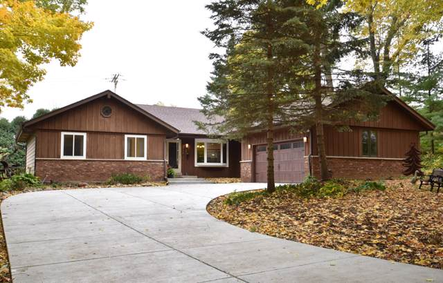 760 Adelmann Ave., Brookfield, WI 53045 (#1665050) :: RE/MAX Service First Service First Pros