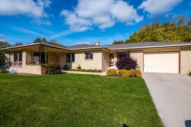 174 E Green Bay Ave, Saukville, WI 53080 (#1665158) :: Tom Didier Real Estate Team