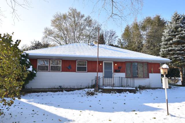 209 S Orchard St, Thiensville, WI 53092 (#1665764) :: Tom Didier Real Estate Team