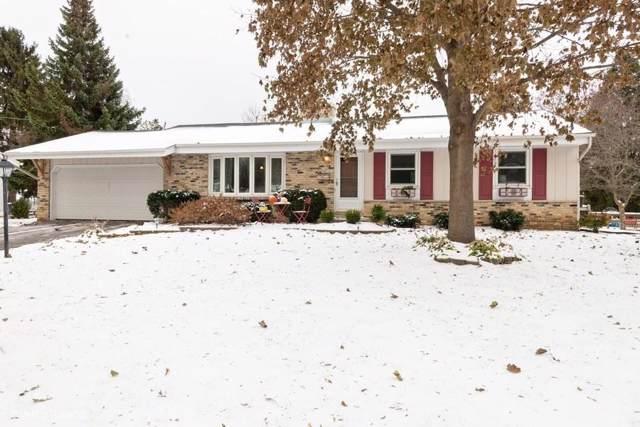 N76W5473 Bywater Ln, Cedarburg, WI 53012 (#1666624) :: Tom Didier Real Estate Team