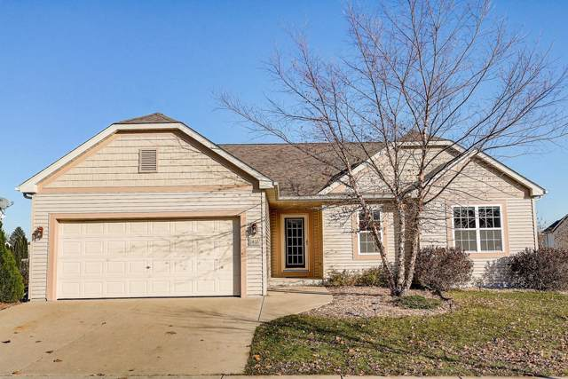 1416 Dovetail Dr, Hartford, WI 53027 (#1667052) :: RE/MAX Service First Service First Pros